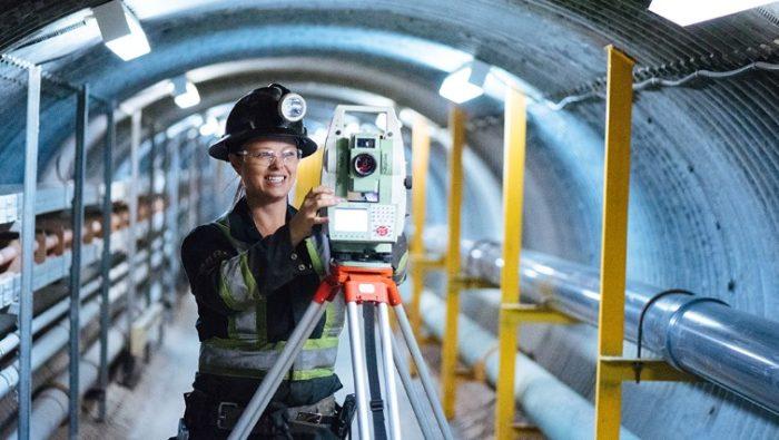 Travailler dans les mines, c'est aussi pour les femmes